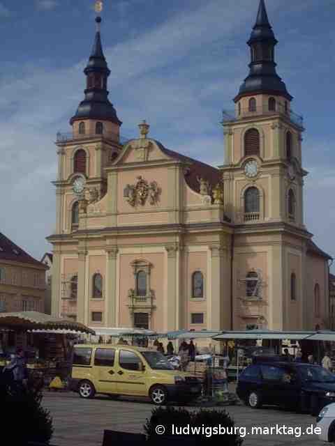 Markttag auf dem Marktplatz Ludwigsburg